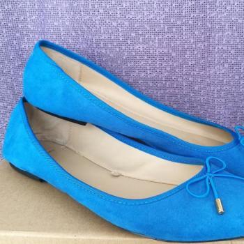 Bailarina azul clein