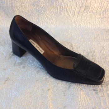 Zapato negro cómodo