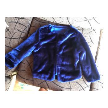 Chaqueta azul marino de pelo sintética