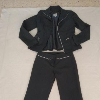 Conjunto chaqueta pantalón