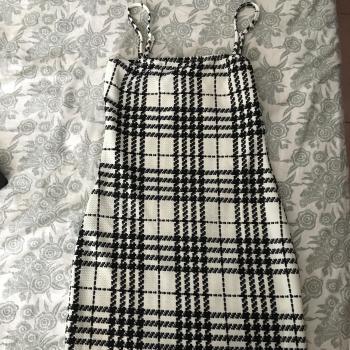 vestido corto shein sin usar.