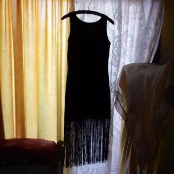 Vestido de fiesta con flecos