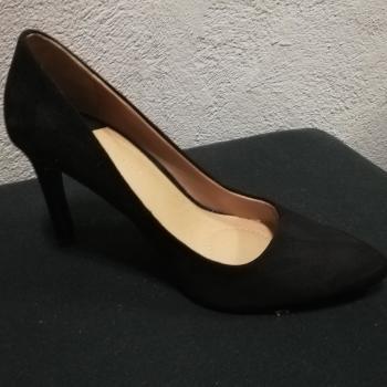 Zapato de tacón.