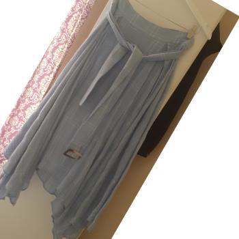 Falda midi asimetrica