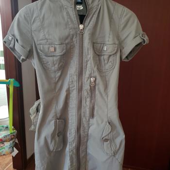 Vestido corto cremallera met in jeans