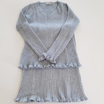 Conjunto jersey y falda gris