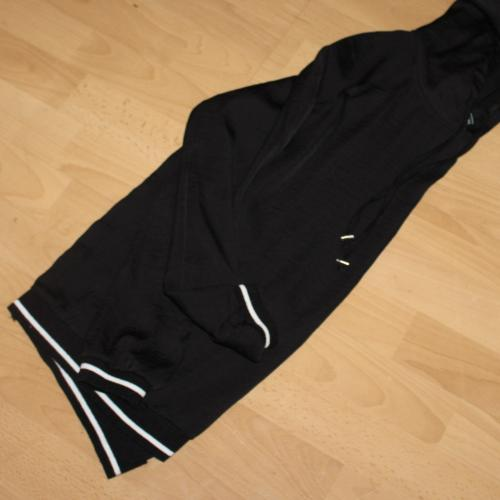 Camiseta de manga larga y capucha