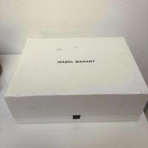 Sneakers Isabel Marant. Llevadas por celebritis como Sincerely Jules, Miranda Ker, Paula Echevarría