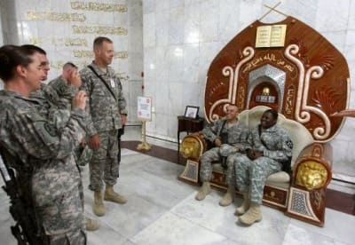 US soldiers enter Saddam's palace - © Attention Deficit Disorder Prosthetic Memory Program