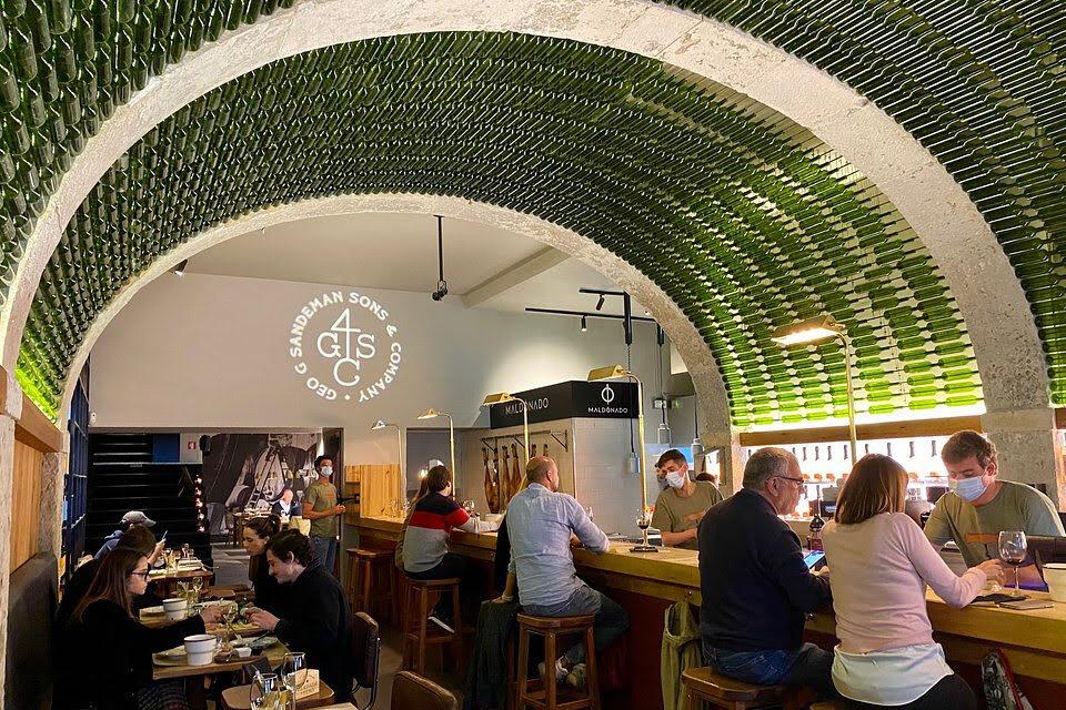 Wine bar By The Wine em Lisboa