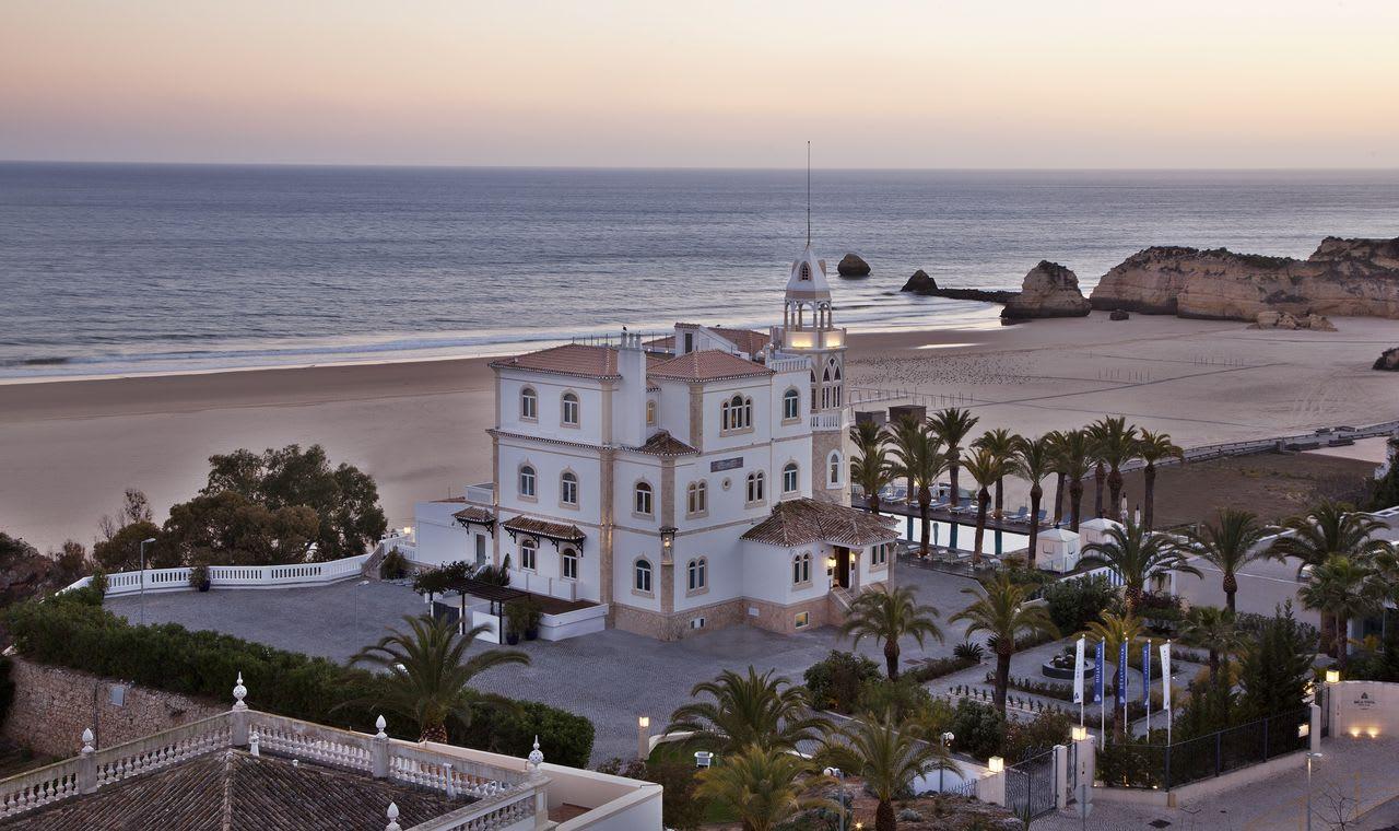 Pôr do sol no Bela Vista Hotel & Spa sobre a Praia da Rocha