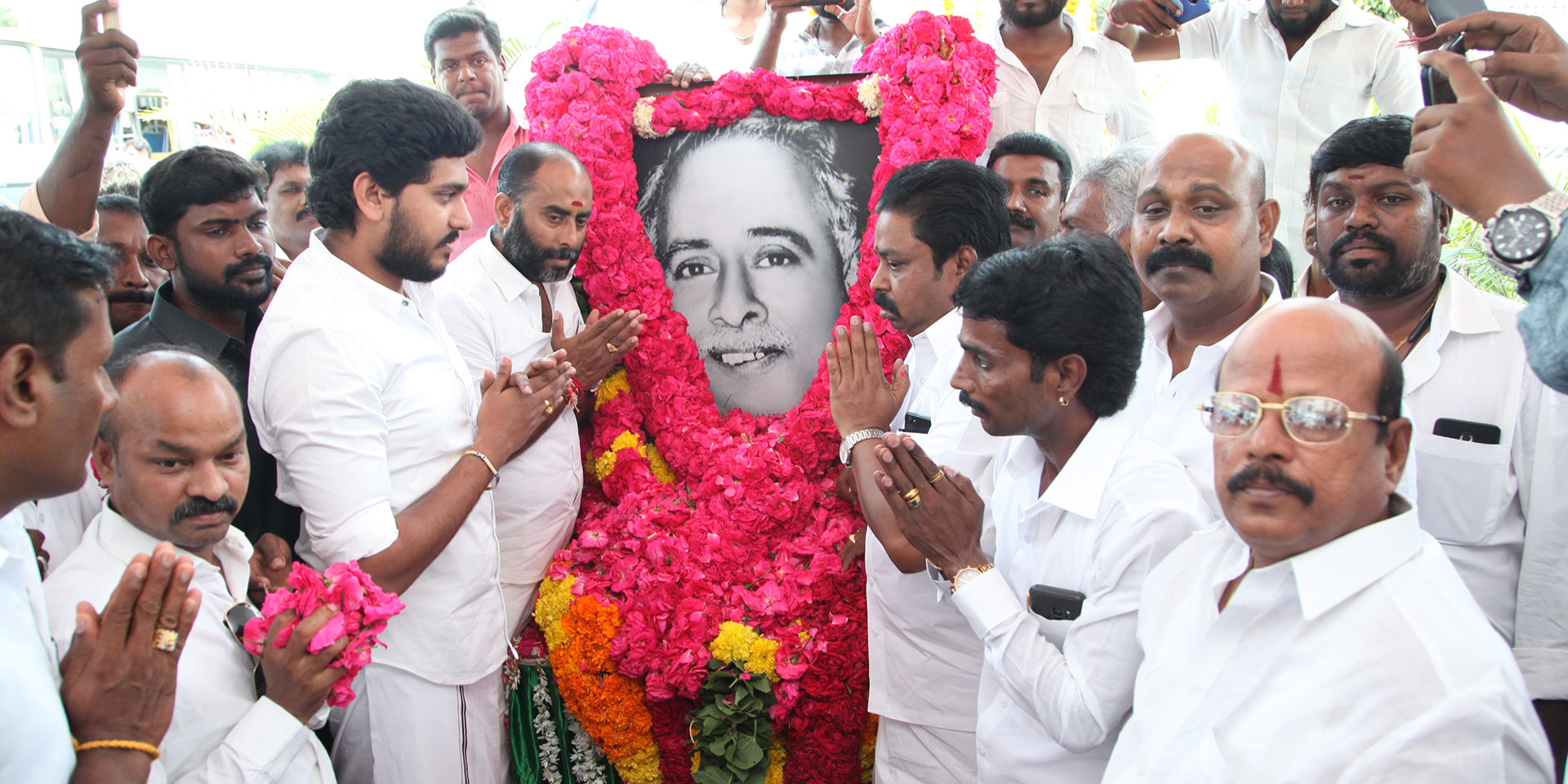 Jeyanandh Dhivaharan pays tribute to Arignar Anna at his birth anniversary