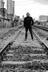 Gonzalo León lanza su nueva novela en Chile