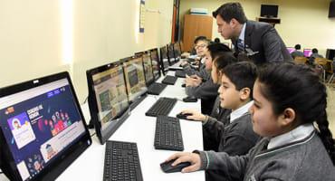 Cívicamente llega a los Colegios Municipales de Punta Arenas para fortalecer la Educación Cívica y la Responsabilidad Ciudadana
