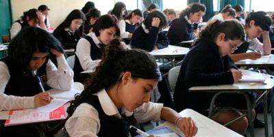 Bajo desempeño de jóvenes de países latinoamericanos en estudio internacional plantea desafíos sobre educación cívica y ciudadana