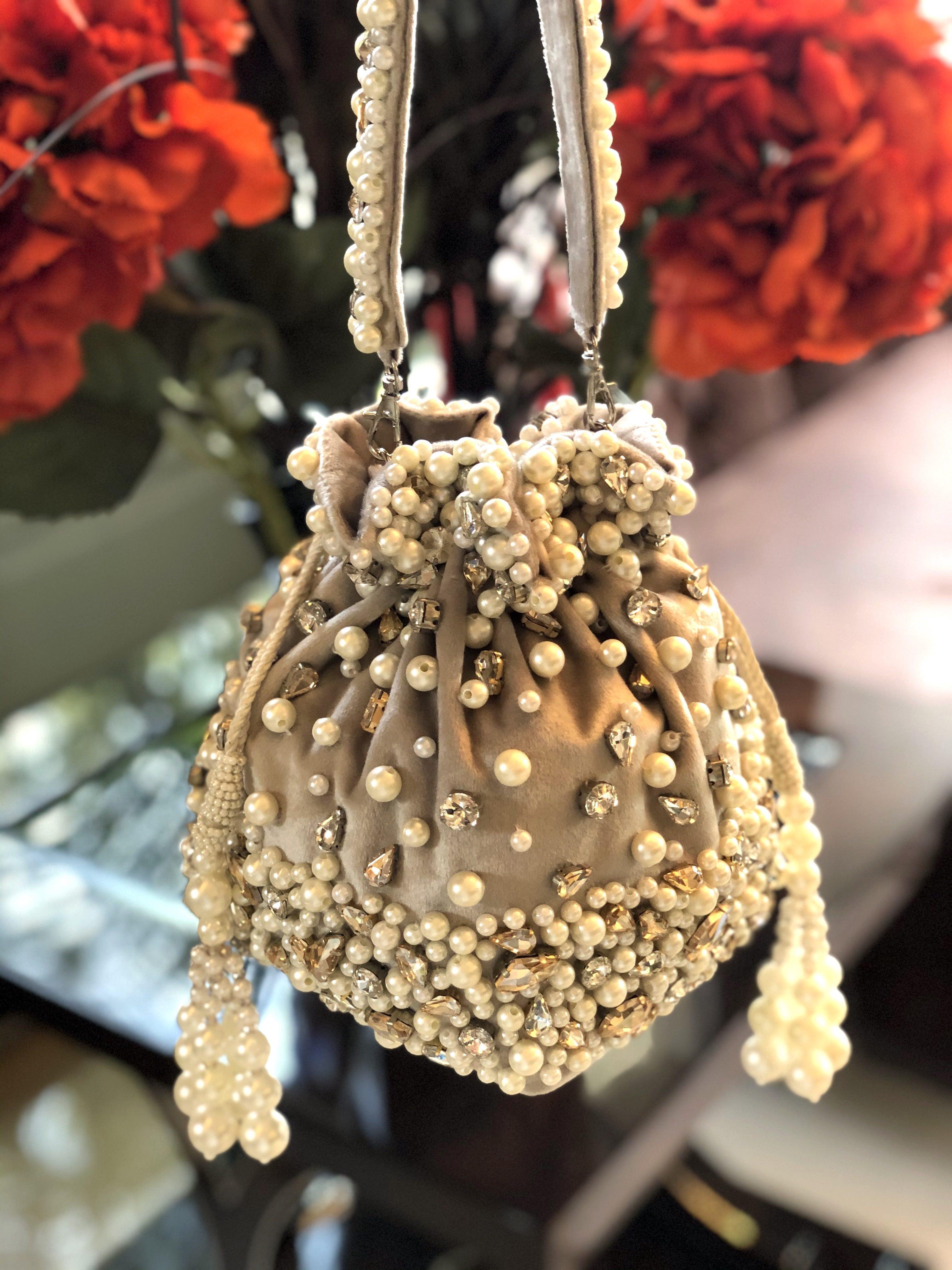 GOLD AMBER BUCKET BAG image 2