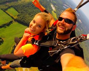 Skydive Hartford - 10,000ft Jump