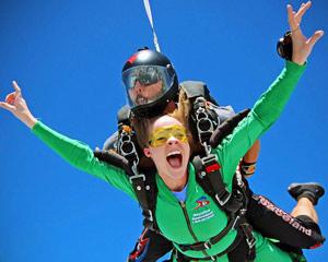 Skydiving Houston, Rosharon - 14,000ft Jump Weekdays