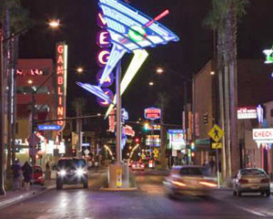 Las Vegas Foodie Walking Tour - Downtown Lip Smacking Tour