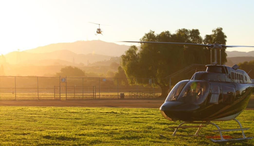 Helicopter_Flight_Lesson,_Hawthorne_Airport_-_Los_Angeles