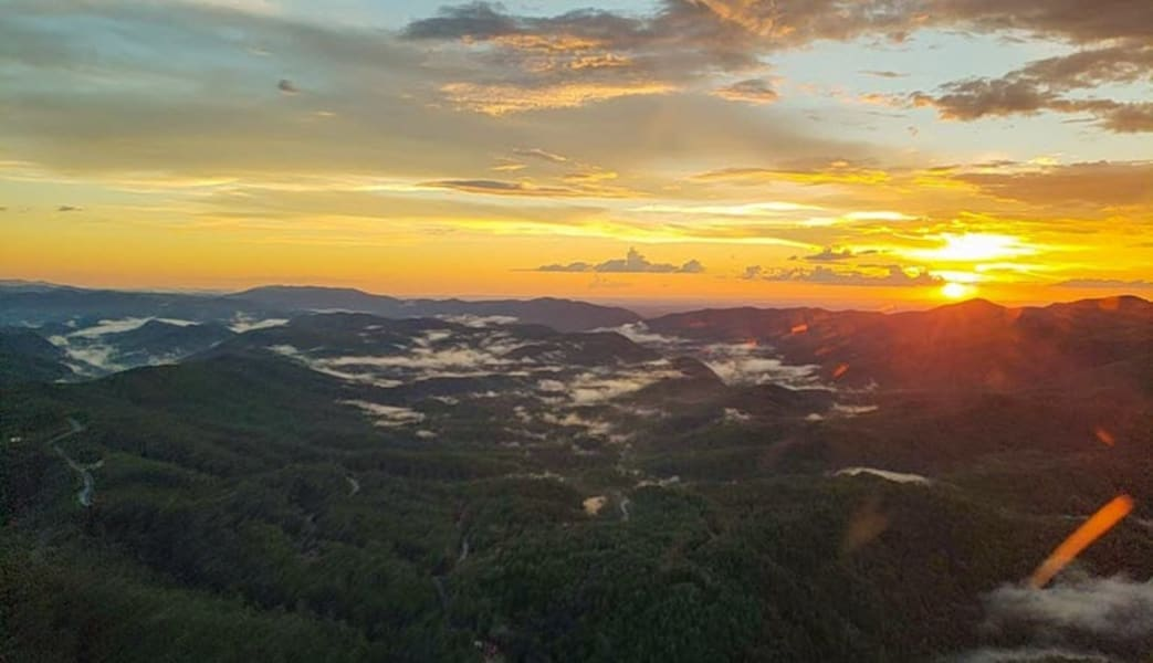 Helicopter_Ride_Smoky_Mountains,_Mt._Valley_Flight_-_12_Minutes