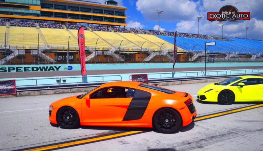 Audi_R8_Drive,_3_Laps_-_Homestead-Miami_Speedway
