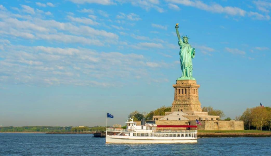 Statue_of_Liberty_&_NYC_Skyline_Cruise__15_Hours