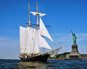 Sailing, Manhattan Tall Ship Discovery Cruise - New York