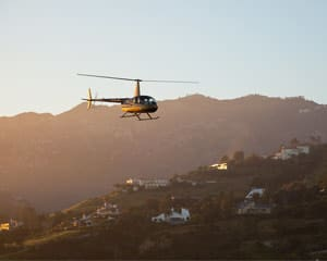 Private Helicopter Tour Los Angeles, Beaches - 30 Minutes