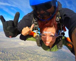 Skydive Taft - 9,000ft Tandem Jump