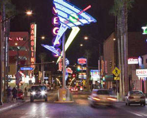 Las Vegas Foodie Walking Tour - Downtown Lip Smacking Tour