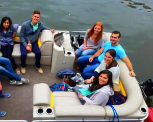 Private Chicago Boat Rental - 2 Hours (Up to 8 Passengers)