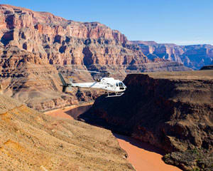 Helicopter Tour Grand Canyon, Floor Landing and Champagne Picnic - 4 Hours (Hotel Pick-Up Included)