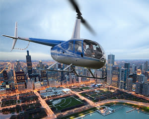 Private Helicopter Tour of Chicago - 15 Minutes