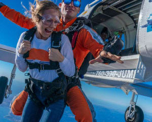 Weekday Skydive San Francisco, Santa Cruz - 13,000ft Jump (Ocean View Jumps Closest to San Francisco!)