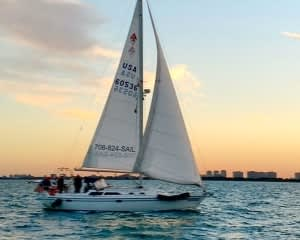 Chicago Sailing Private Charter Day - 2 Hours (WEEKEND)
