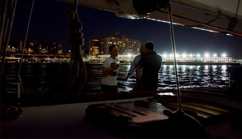 New York Night Sail Chatting