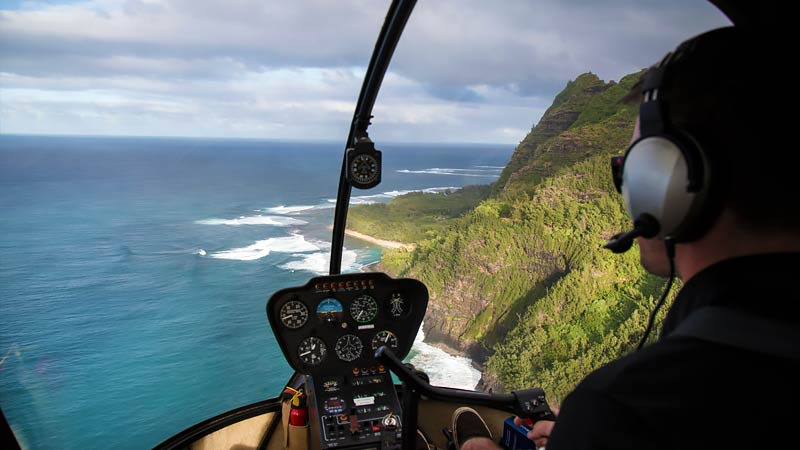 Helicopter Tour Maui Cockpit