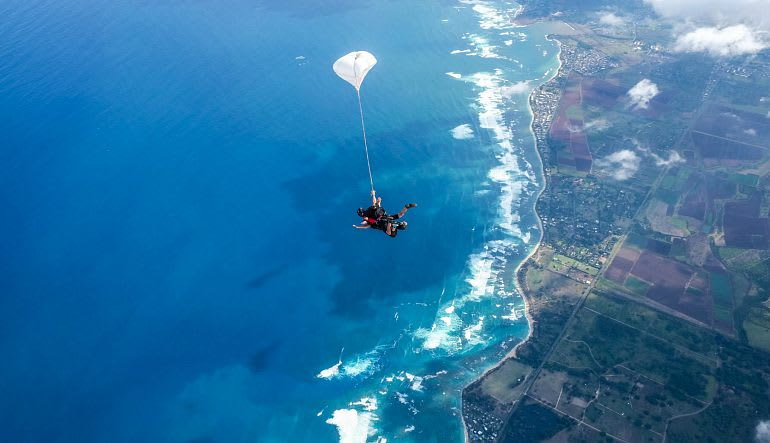 Oahu Skydiving Over the Beach
