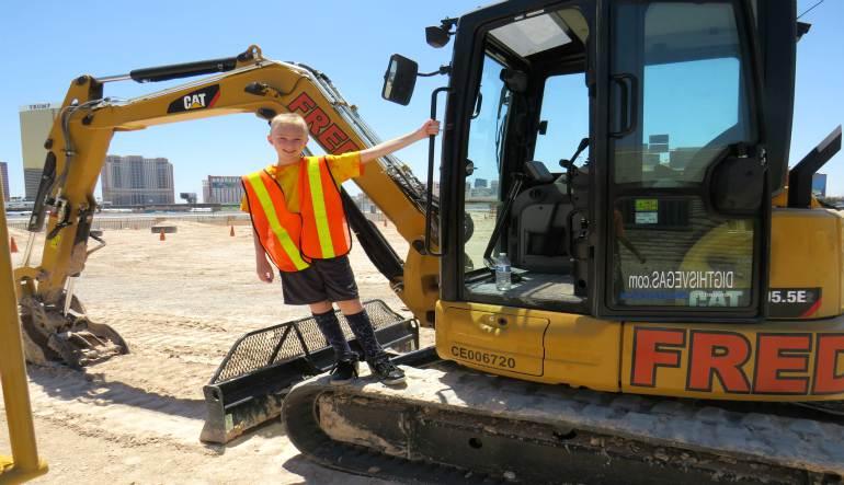 Drive A Mini Excavator, Las Vegas - 70 Minutes