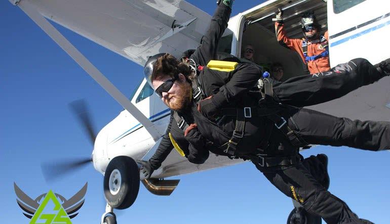 Skydiving Kansas City - 10,500ft Jump