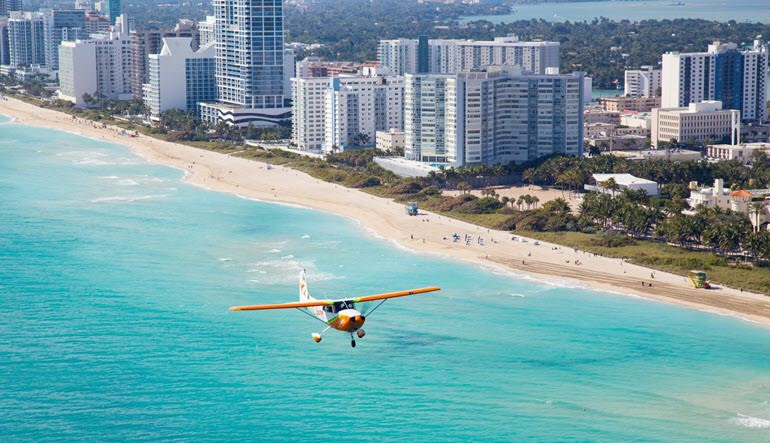 Scenic Flight Miami and Key Biscayne - 40 Minute Flight