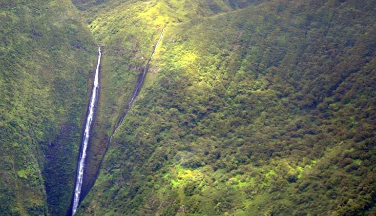 Helicopter Tour Big Island Waterfall