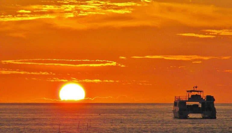 Big Island Catamaran Dinner Cruise Sunset