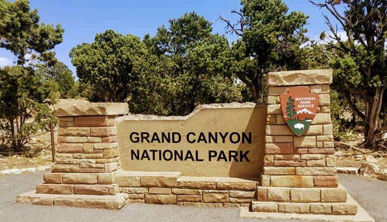 Grand Canyon National Park Bus & Walking Tour Sign