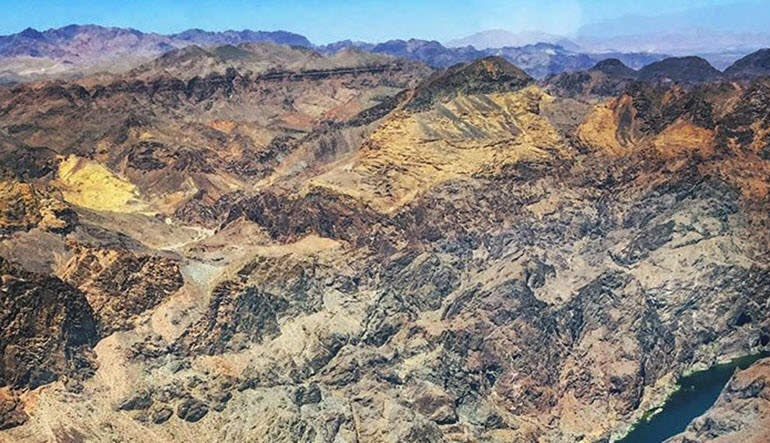 Helicopter Tour Hoover Dam, Lake Mead and Black Canyon