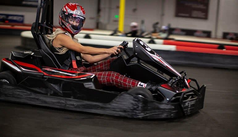 Karting Oahu Lady