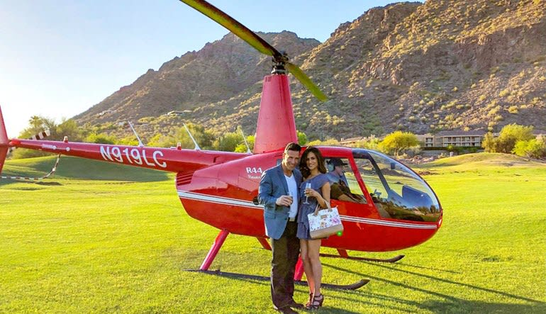Helicopter Tour Phoenix  Paradise Valley Couple