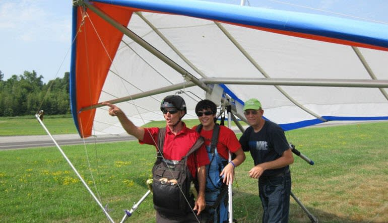 Hang Gliding New York Getting Ready
