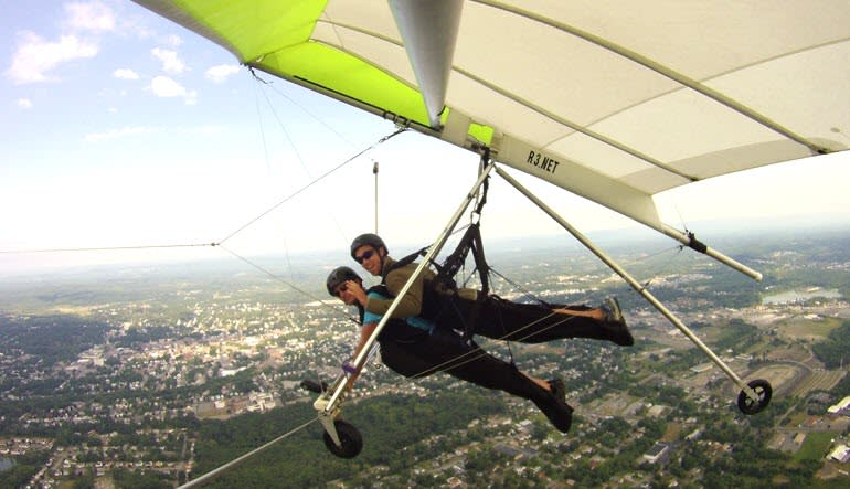 Hang Gliding New York Mid Flight
